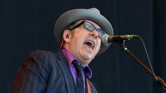 Costello sings anti-Thatcher song