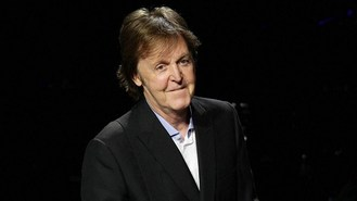 Sir Paul donates bass to auction