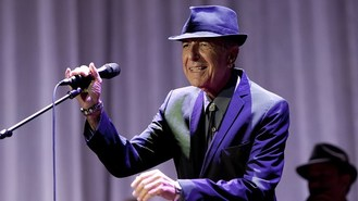 Leonard Cohen still on the road