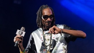 Dogg turns Snoopzilla for album