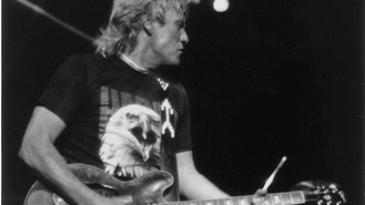 'Fastest guitarist' Alvin Lee dies