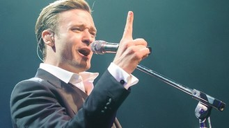 Timberlake storms to top of chart
