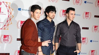 The Jonas Brothers announce breakup