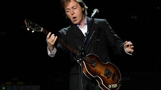 McCartney wows fans as tour opens