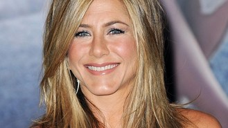 Aniston helps sing Hey Jude track