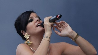 Lily Allen confirms Glastonbury gig
