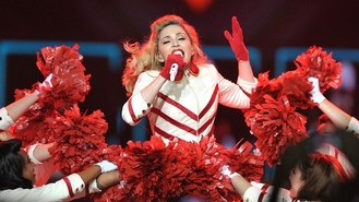 Ill Madonna calls off show in US