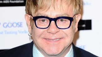 Sir Elton receives Brits Icon award