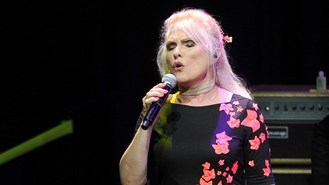 Blondie go back in time for UK show