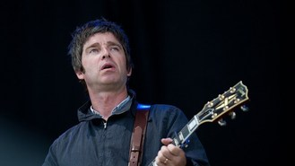 Gallagher teams up with Blur rivals