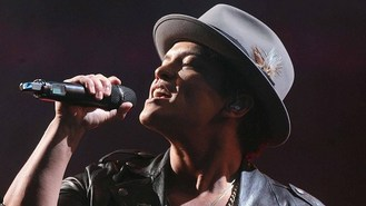 Bruno Mars to headline Super Bowl