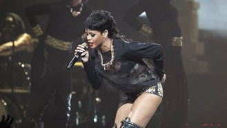Bar owner held over Rihanna tweets