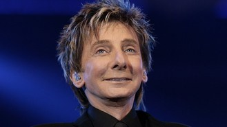 Bronchitis delays Manilow opening
