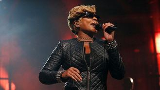 Blige makes triumphant UK return