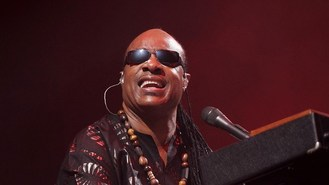 Stevie Wonder in festival finale