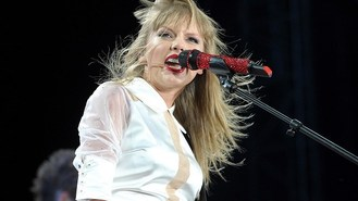 Swift: Simon duet was 'special'