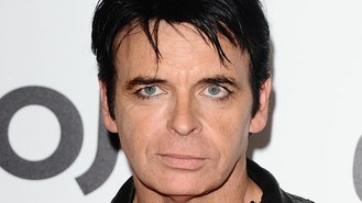 Numan tells of depression battle