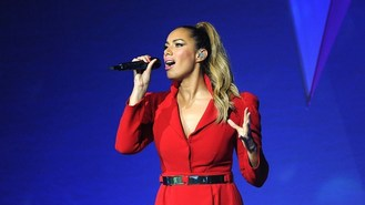 Leona Lewis got festive for album