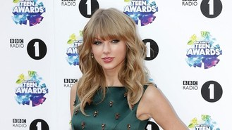 Albums are 'reinvention' for Swift