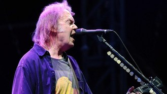 Neil Young returns to UK stage