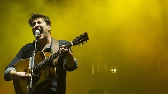 Mumford a smash hit at tennis venue