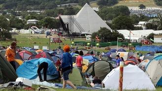 Glastonbury revellers set for rain