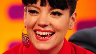 Lily Allen to play comeback show