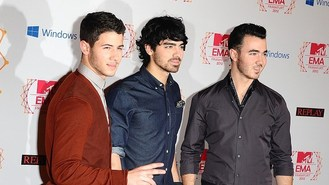 Jonas Brothers headed for split?