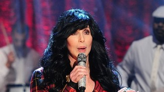Cher turns back time in tour outfit