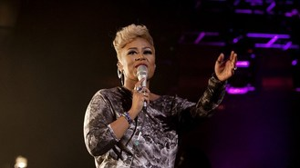 Emeli Sande marries in Montenegro