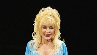 Parton jokes about Cyrus in rap