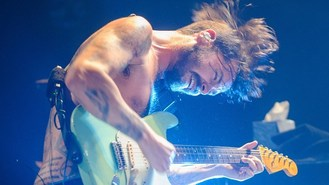 Biffy Clyro to play UK festivals