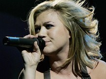 Kelly Clarkson gets even Stronger