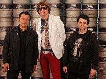 Manics give donation to mine appeal
