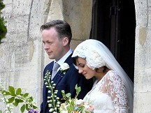 Lily Allen married in rural church