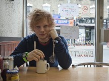 Sheeran: I'm sleeping on a sofa