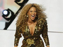 Beyonce heading for top album spot