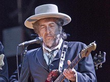 Bob Dylan is rocking in the rain