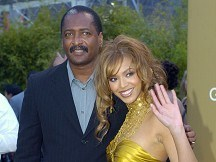 Beyonce's father denies stealing