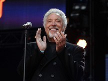 Tom Jones released from hospital