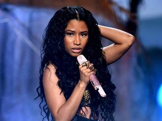 Wireless 2015: Nicki Minaj 2 hours late to main stage due to 'travel issues'