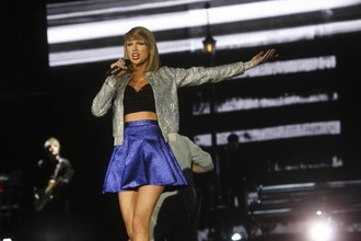 Taylor Swift's 1989 is the fastest selling album in a decade