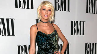 Taylor Swift designs range of greeting cards