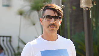 Anthony Kiedis tried hard to keep cool working with Elton John