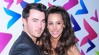 Kevin Jonas gets inked for daughters