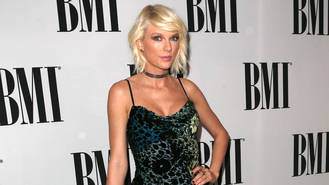 Taylor Swift 'felt violated' after DJ allegedly groped her