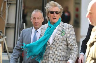 Rod Stewart to headline Isle of Wight Festival
