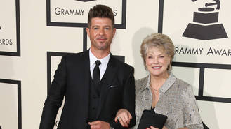 Robin Thicke taking some 'quiet time' to mourn father's death