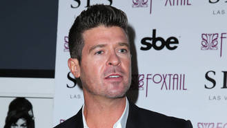 Robin Thicke pays tribute to late dad