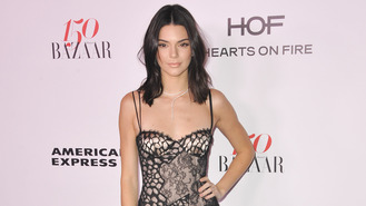 Kendall Jenner 'can't let go of Harry Styles'